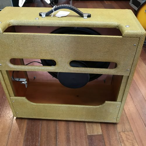 Victoria 1×15 Tweed Pro cab with speaker