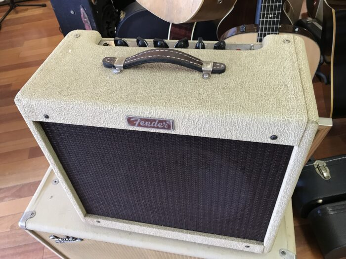 Fender Blues Junior in cool vintage blond