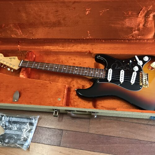 2005 Fender SRV Stratocaster mint